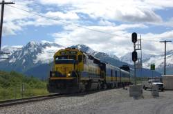 a1sx2_Thumbnail1_alaska_train.jpg