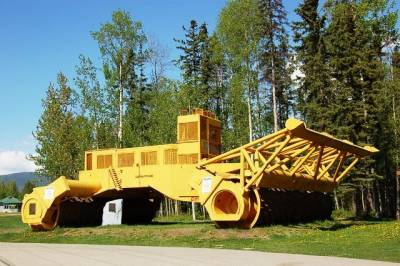 b2ap3_thumbnail_worlds_largest_tree_crusher.jpg